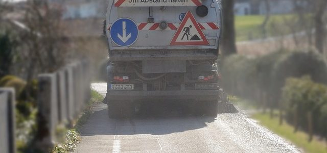 מכונת טיאוט לכבישים